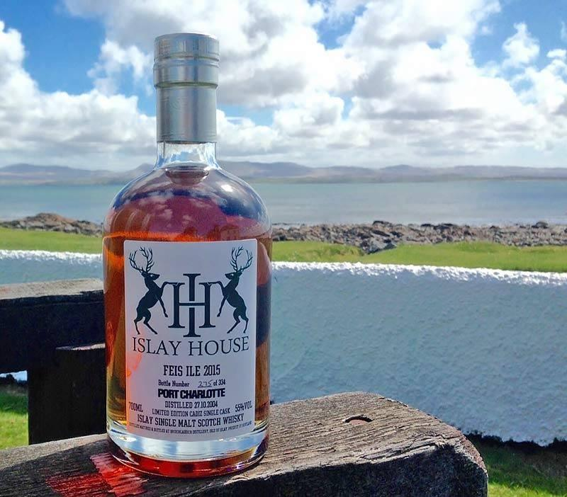 Islay Festival Bottling / Photo: Facebook - Islay Scotland