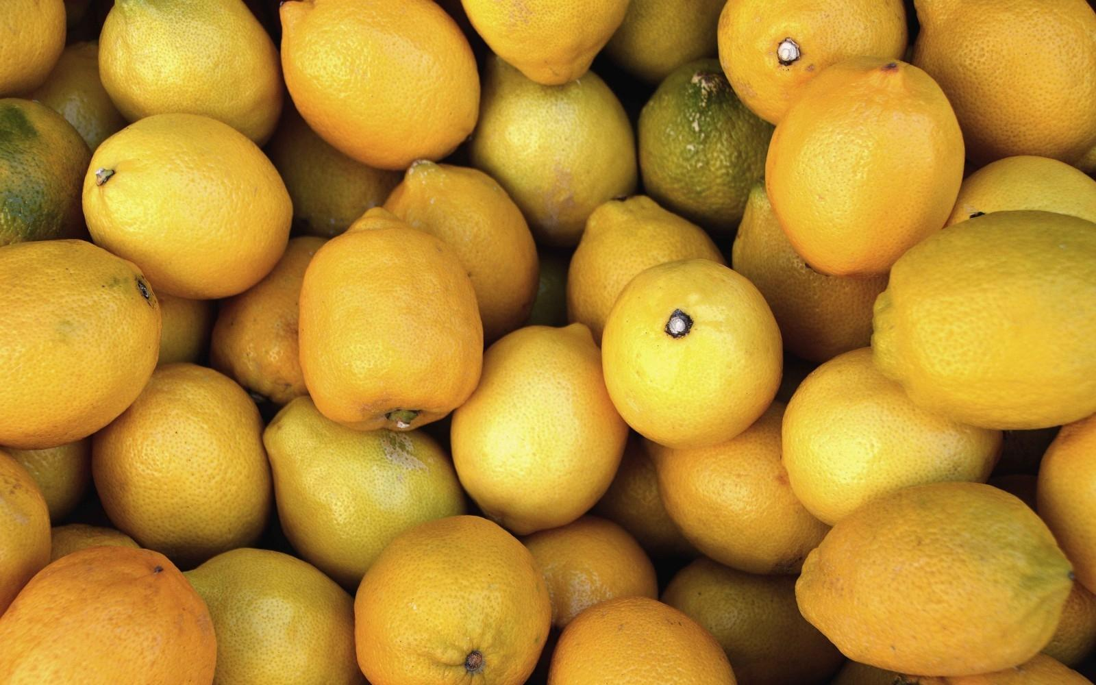 Citrus plays a huge part in Gin, lifting flavours and cutting through herbs, spices and sweetness.