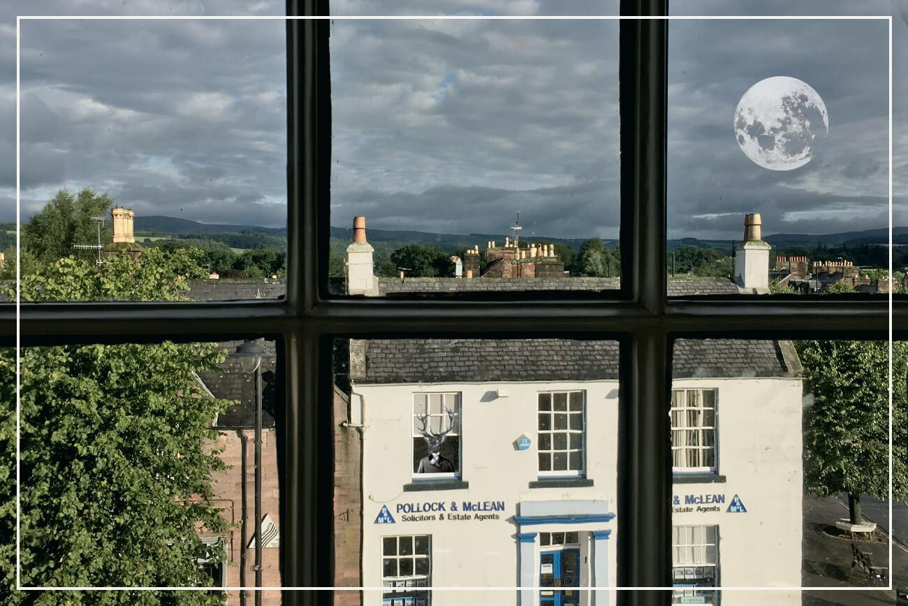 Thornhill, Scotland (hotel window, still life, August 2017)