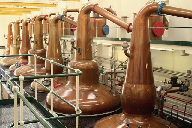 Stills in Glen Grant Distillery in Scotland - Photo: Flickr/shnaider_sem