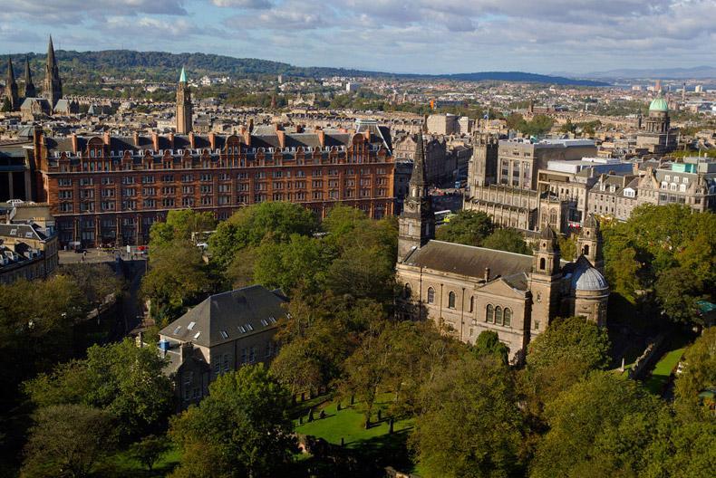 Edinburgh, The Lowlands / Photo: Flickr - dun_deagh