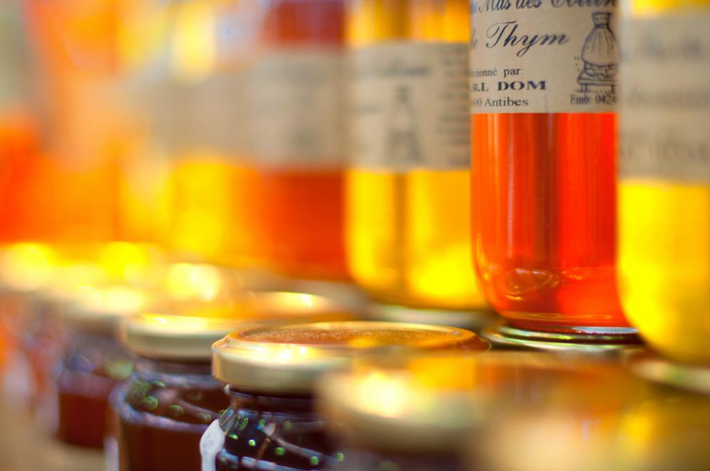 Rum with honey. Source: Flickr/Thomas Leth-Olsen