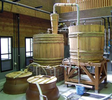 A Wooden Pot Still - Photo: Wikipedia Amn22