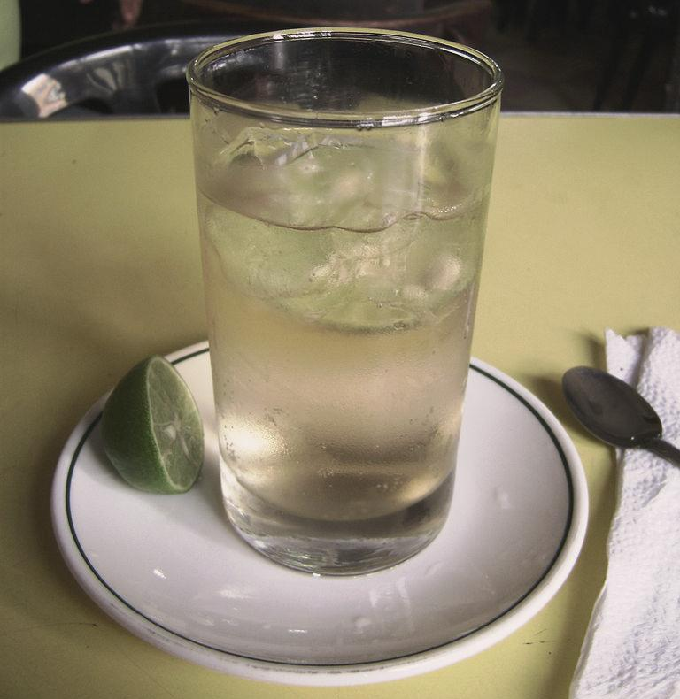 Chilcano as they serve it in a bar in Lima, Peru. Image: Dtarazona/Wikimedia