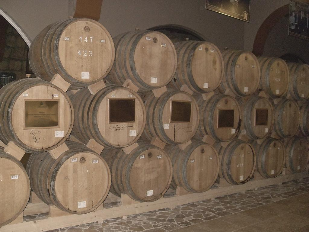 Casks at Yerevan Brandy Company, patiently wating for the Ararat Brandy to get old and yummy. - Photo: Wikimedia Commons/23arthases