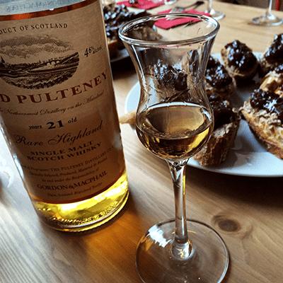 Gordon & MacPhail Old Pulteney 21 with pâté snacks