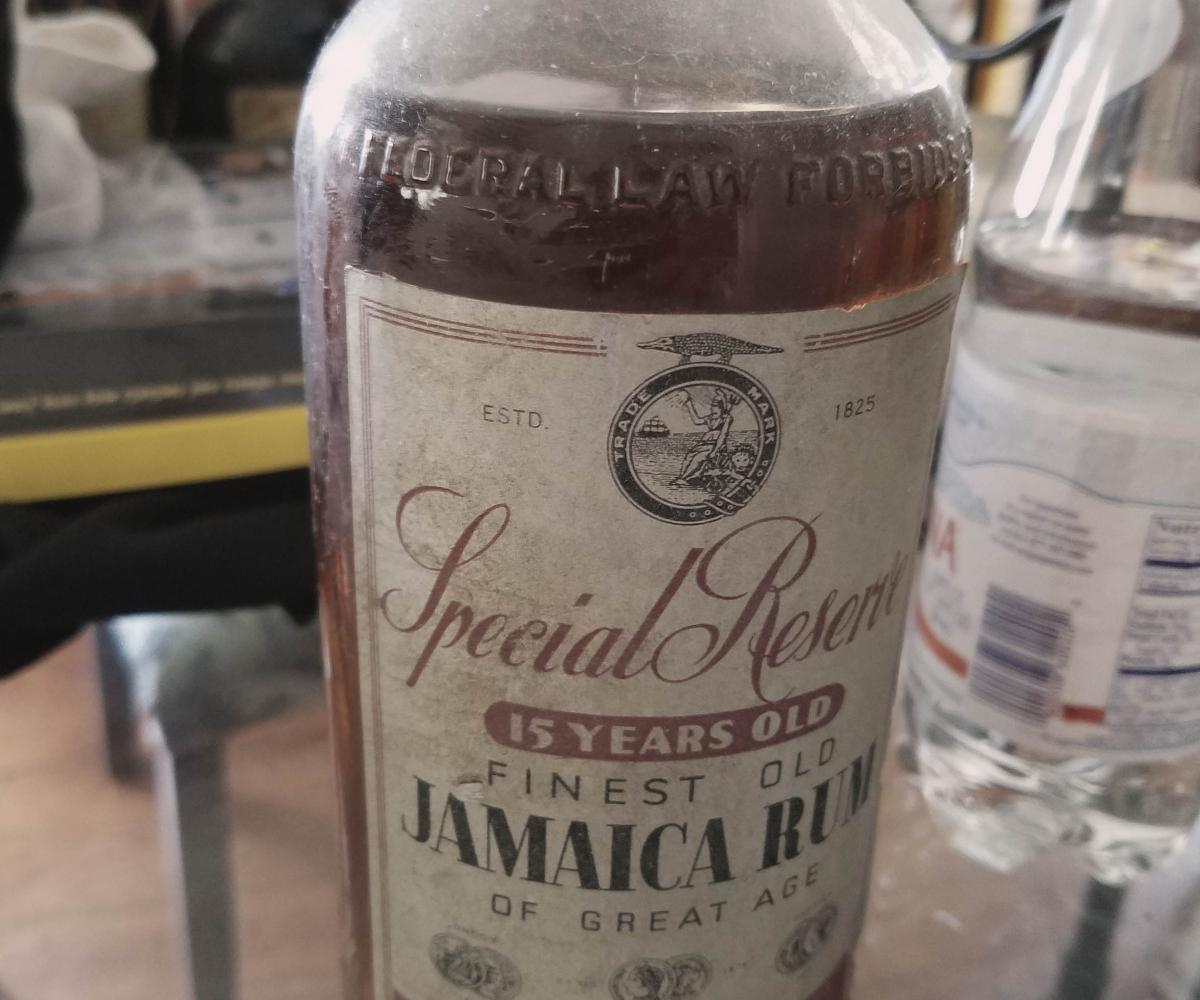 Circa 1937 J Wray and Nephew 15 year old Special Reserve. Photo credit: Paul Senft