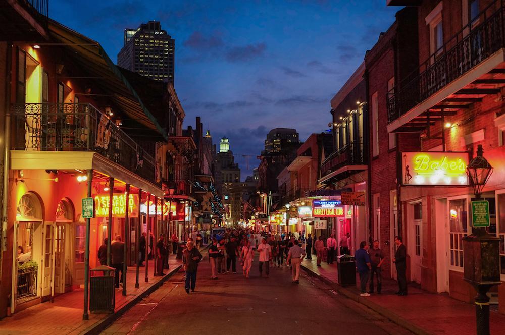 Bourbon Street in New Orleans - Photo: Flickr/criminalintent